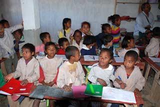 Une classe de l'école Akany Aina