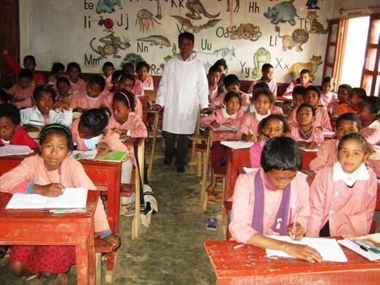 Une classe du Collège Akany Aina à Madagascar