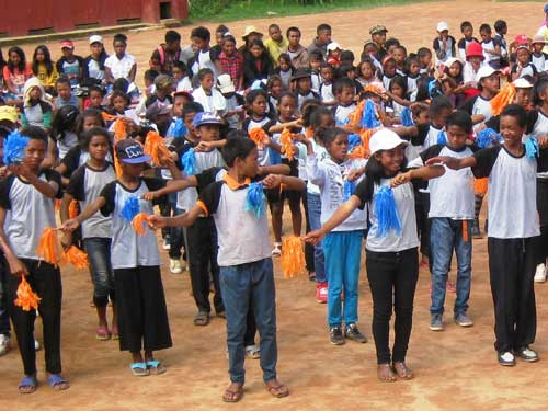 Répétition pour le défilé des élèves de l'école Akany Aina à Madagascar