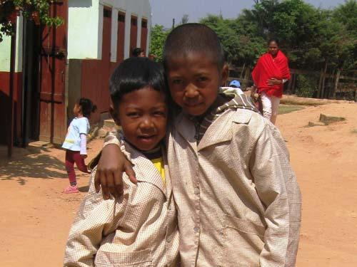 Enfants malgaches accueillis au Centre Akany Aina à Madagascar