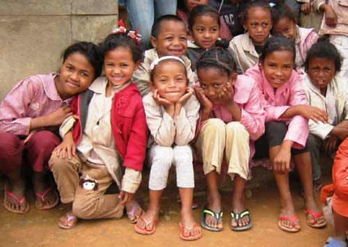 Enfants malgaches vulnérables élèves à l'école Akany Aina à Madagascar
