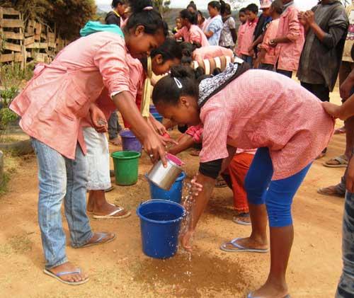 Célébration de la journée internationale du lavage des mains à l'école Akany Aina, Madagascar