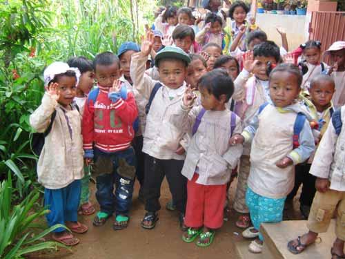 Enfants de Madagascar du Centre Akany Aina