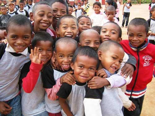 Sourires d'enfants malgaches, les élèves de l'école Akany Aina à Madagascar