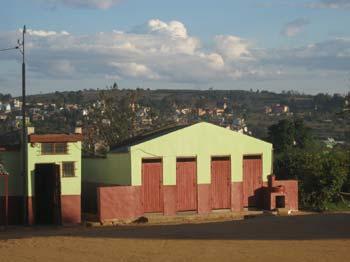 Rénovation des toilettes du Centre Akany Aina à Madagascar