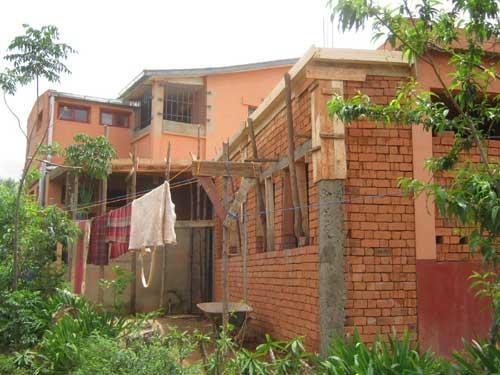 Travaux de sécurisation des bâtiments du Centre Akany Aina à Ambatolampy, Madagascar
