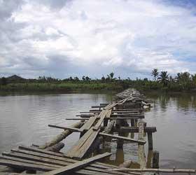 Les ponts détruits par le cyclone Indlalah