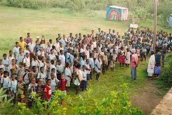 Rentrée scolaire 2007 à l'école d'Ambodirafia