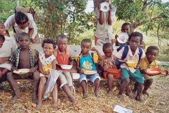 Le repas des enfants à la cantine de l'école