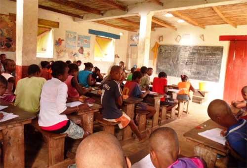 La classe de CE2 de l'école d'Ambodirafia à Madagascar