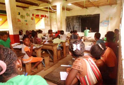 La classe de CM1 de l'école d'Ambodirafia à Madagascar