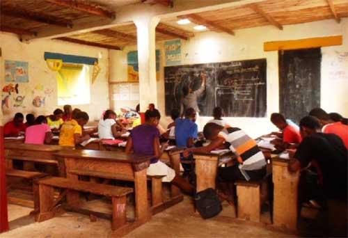 La classe de CM2 de l'école d'Ambodirafia à Madagascar