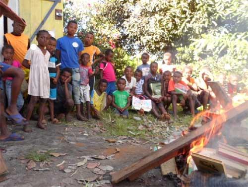 Attaque de termites à l'école d'Ambodirafia à Madagascar