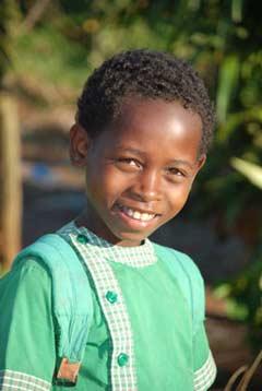Enfant de l'école d'Ambodirafia à Madagascar