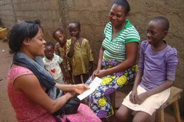 Visite de suivi familial de l'état civil des enfants du Bénin