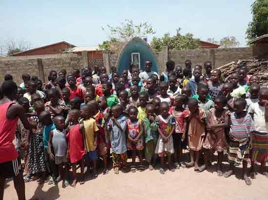 Enfants vulnérables du Bénin élèves à l'école Ste Marie de Ouénou