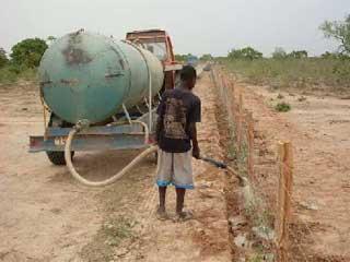 Tranchée de déviation des eaux pluviales