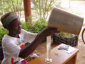 Mesure de la pluvométrie au Sahel, Guiè, Burkina Faso
