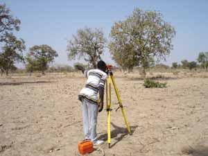 Arpentage d'un site pour l'aménagement d'un périmètre bocager à Doanghin, Burkina Faso
