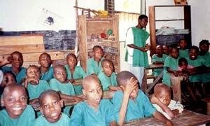 SOS Enfants et la communaut� des Pygm�es Bagyeli de Bipindi au Cameroun