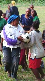 Match de foot au FONDAF à Bipindi