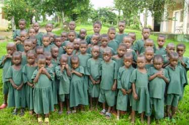 Rentrée scolaire pour les enfants en préscolaire au Fondaf Bipindi, méthode ORA
