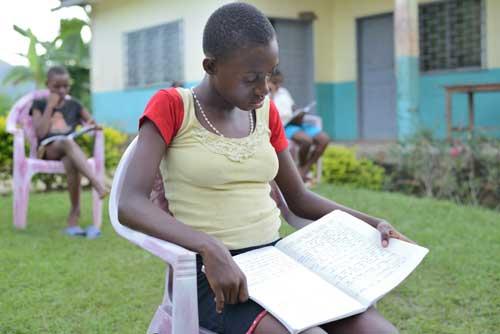 Révisions des cours pour les élèves du collège et du lycée de Bipindi au Cameroun