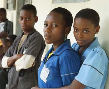 Jeunes collégiens Pygmées au Cameroun