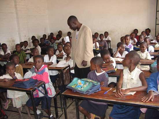 Une classe de l'école Bumi de Kamalondo, RD du Congo
