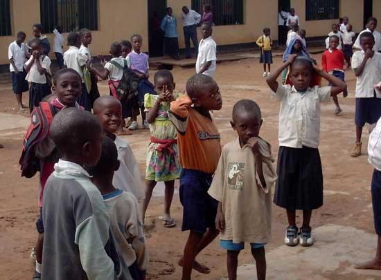Enfants accueillis au Centre d'Accueil Bumi de Kamalondo, RD du Congo