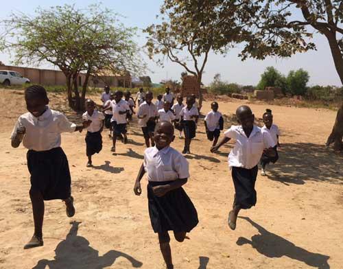 La classe de CP à l'école Bumi de Karavia en RD Congo