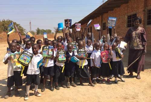 Elèves de l'école Bumi de Karavia en RD Congo