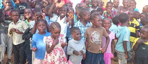 Enfants vulnérables accueillis au Centre Bumi de Karavia en RD Congo