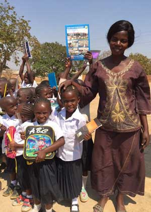 Rentrée scolaire pour les élèves de l'école Bumi de Karavia en RD Congo