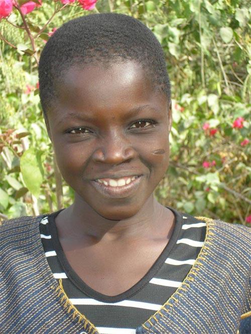 Hado, première univesitaire soutenue par SOS Enfants au Burkina Faso