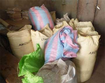 Stock de céréales pour la cantine scolaire de Douré au Burkina Faso