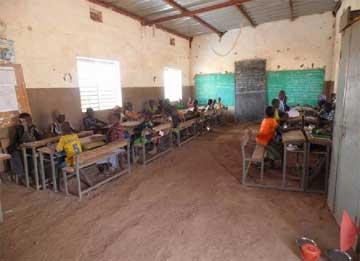 Classe de l'école primaire de Babou au Burkina Faso