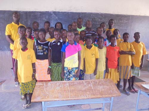 Collégiens de Namassa au Bukina Faso bénéficiant de cours de soutien scolaire