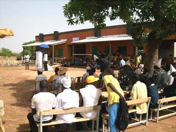 Inauguration de 3 nouvelles classes � l'�cole de Ciss� Yargho au Burkina Faso