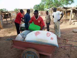 Aide alimentaire pour les familles de Guiè, Burkina Faso