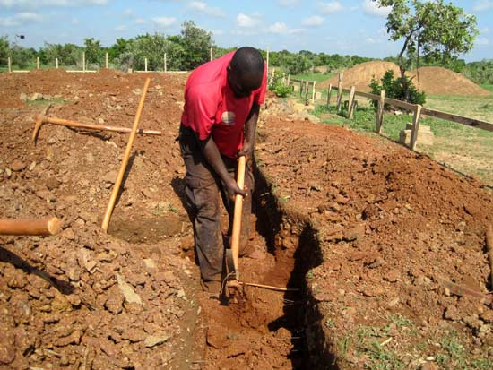 Creusement des tranchées des fondations