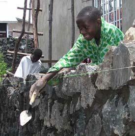 Formation en maçonnerie des enfants soldats démobilisés à Goma