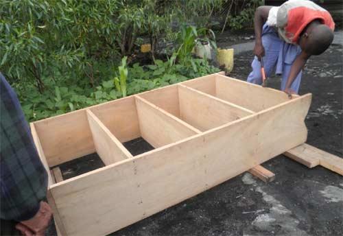 Epreuve pratique pour le brevet professionel de menuiserie à Goma : fabrication d'ue étagère