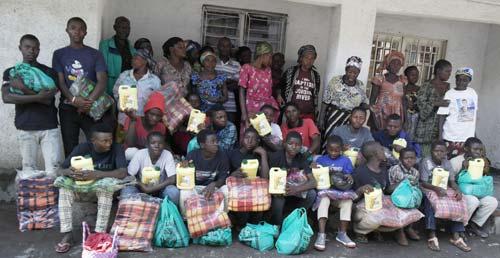 Cadeaux de Noël pour les enfants soldats démobilisés à Goma