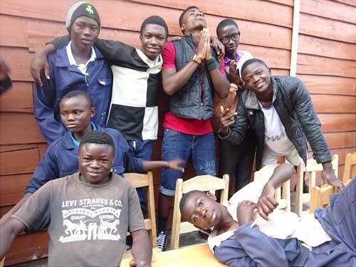 Apprentis menuisiers à Goma en RDC, promotion 2017
