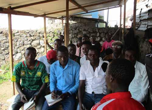 Candidats à l'examen professionnel en menuiserie à Goma, RDC, promotion 2015