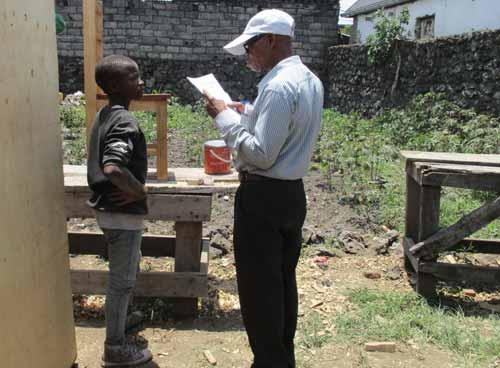 Epreuve pratique de l'examen professionnel en menuiserie à Goma, RDC, promotion 2015.