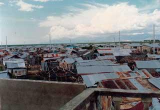 Dans les rues du bidonville de Cité Soleil en Haïti