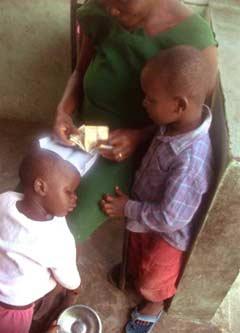 Aide d'urgence aux familles de l'école St Alphonse après le séisme en Haïti