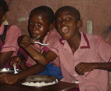 Cantine de l'école St Alphonse de Cité Soleil en Haïti